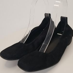 Arche black suede ballet flats size 8 narrow or 7